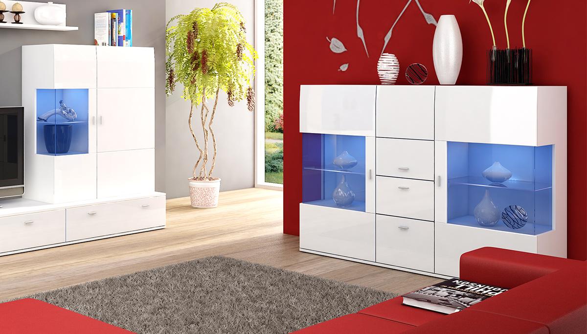 Biała komoda z oświetleniem w nowoczesnym salonie